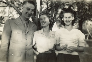 Daddy, Mimi & Nita 1943